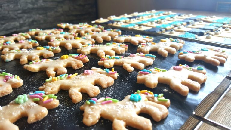 Süße Einhorn-Kekse backen