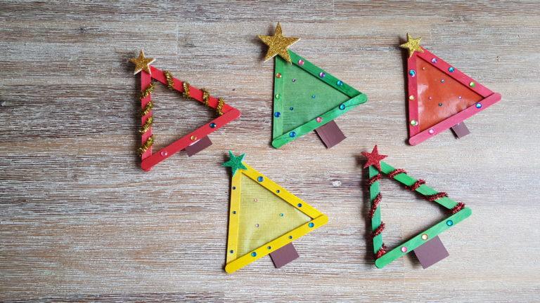 Weihnachtsbäume mit Stäbchen basteln